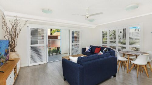cotton-tree-holiday-apartments-pool-side6